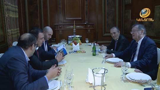 Գագիկ Ծառուկյանն ընդունել է Եվրոպայի Վոլեյբոլի ֆեդերացիայի նախագահ Ալեքսանդր Բորիչիչին