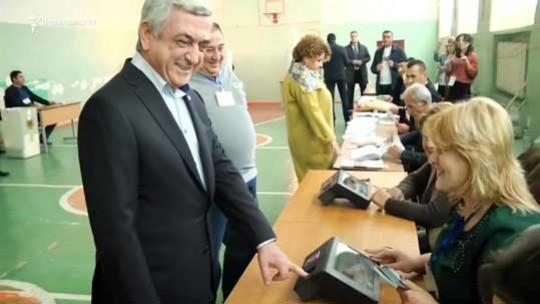 «Ես ձեզ հարցազրույց չեմ տալիս». Սերժ Սարգսյանը քվեարկեց