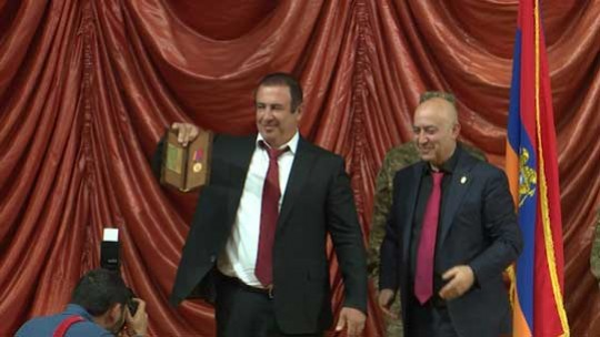 Գագիկ Ծառուկյանը պարգևատրվել է «Երդվյալ Ազատամարտիկ N 001» ոսկե մեդալով