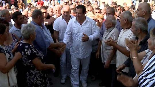 Գագիկ Ծառուկյանը խաղողի մթերման մեկնարկից առաջ հանդիպել է Արմավիրի և Արարատի մարզի խաղողագործների հետ